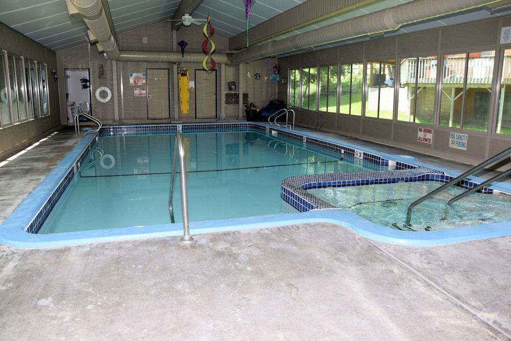 Hanmer S Riverside Resort Benzonia Indoor Pool