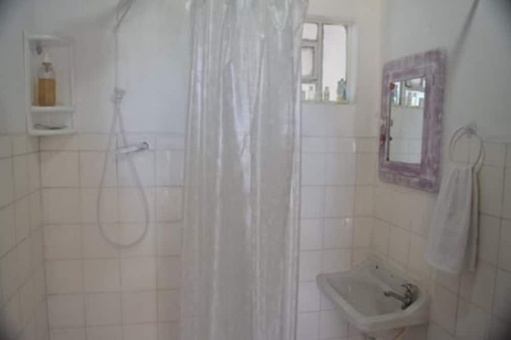 Suite, uitzicht op bergen - Badkamer