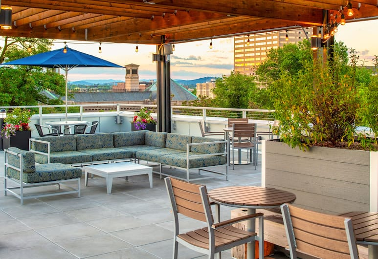 Hampton Inn and Suites by Hilton Portland-Pearl District, Portland, Terrass