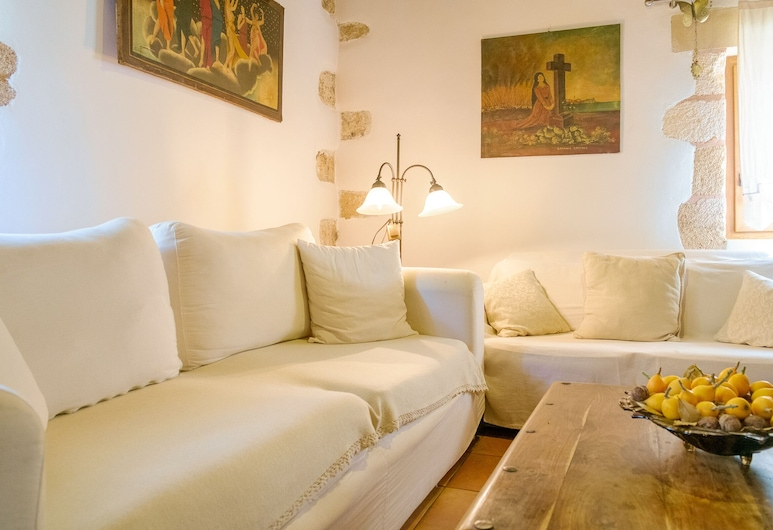 Traditional Elegant Cretan Mansion, Chania, Traditional House, 2 Bedrooms, Living Area