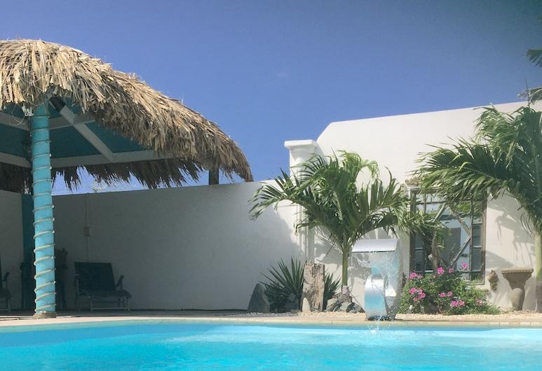 PISCINA PRIVADA Villa de 3 dormitorios ~ 90 segundos de la playa ~ piscina propia y tiki Ba, Savaneta, Alberca