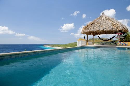 カリブ海の壮大な景色を望む崖の端、プライベートプール/