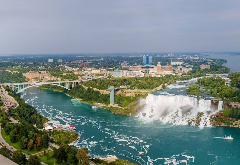 Just Walk to the Upper Niagara River and Follow it Right to Niagara Falls!!!, Niagara Falls, Pool