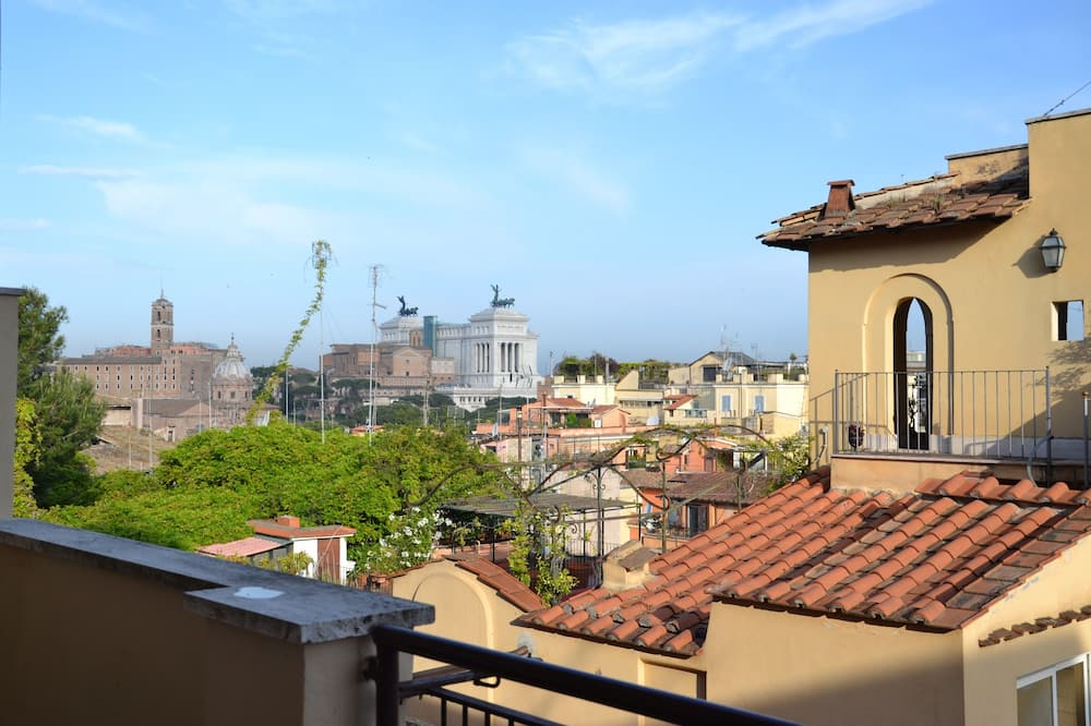 Studio With View Near THE Colosseum