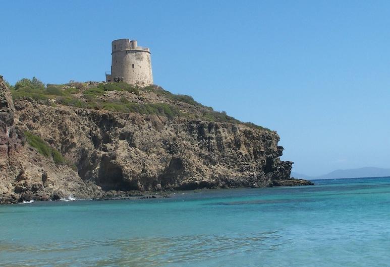 Casa Rubina, villa cerca del mar con jardín privado., Sant'Anna Arresi, Playa