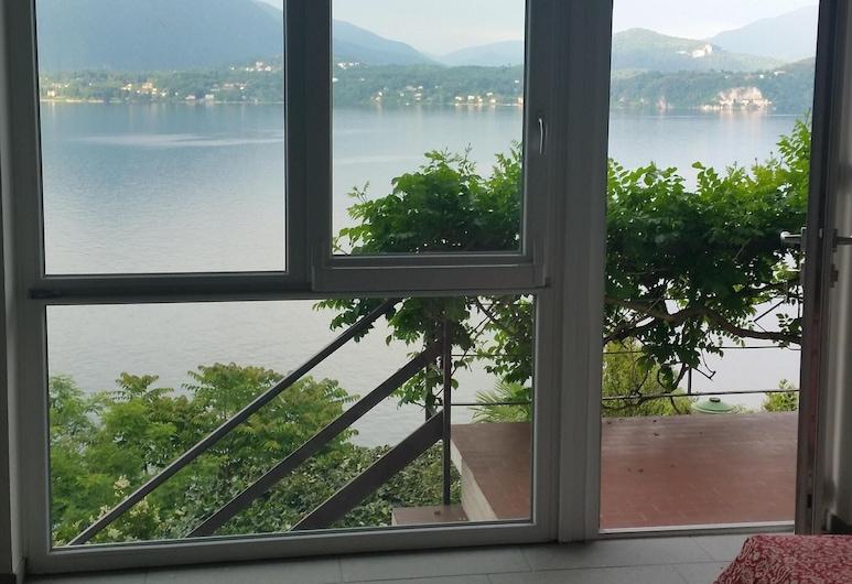 Entre o lago e o céu. Um ninho romântico e elegante com uma vista encantadora, Stresa