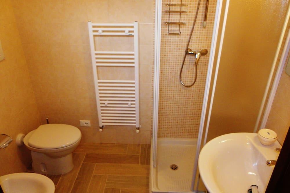 Quadruple Room, Terrace - Bathroom