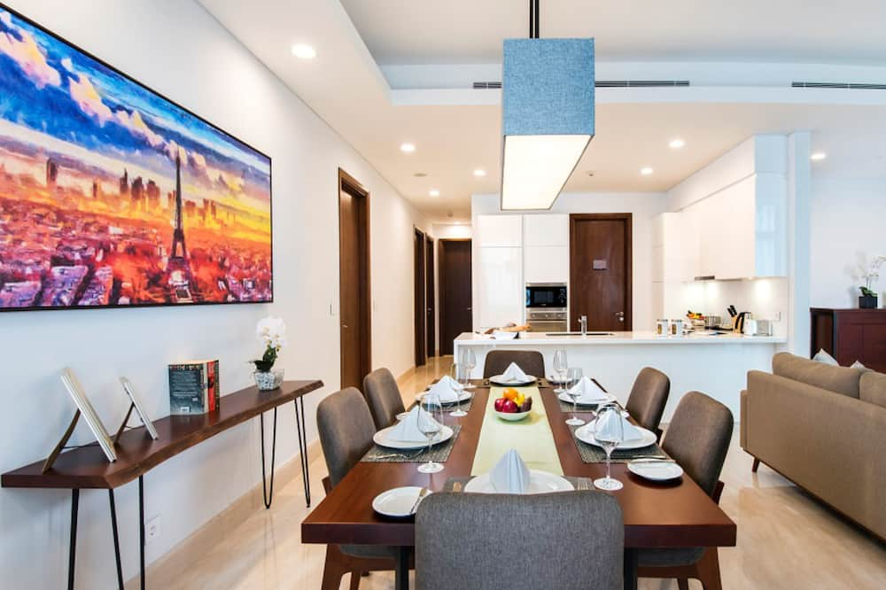 3 Bedrooms Executive (Breakfast included for 3) - In-Room Dining