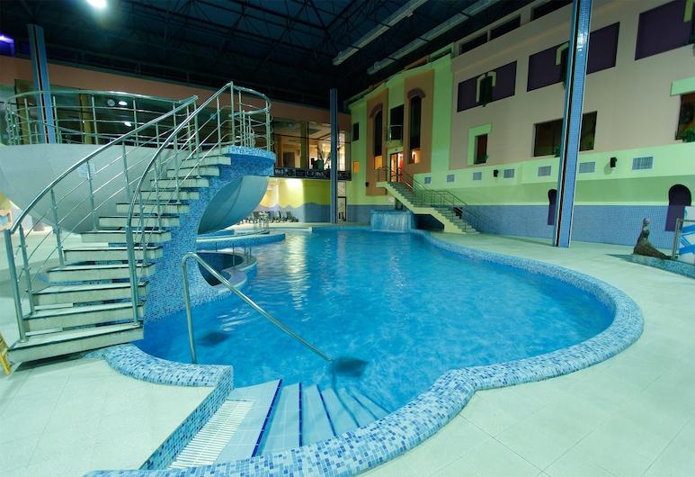 Aquatek Hotel Spa & Aquapark, Yerevan, Binnenzwembad