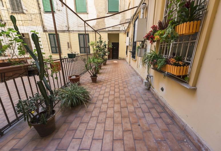 Aperture B&B, Naples, Interior Entrance