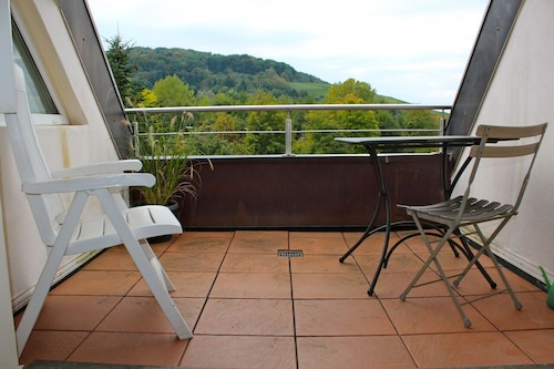 近代的な休日のアパート、都市や自然を楽しむのに最適です!/