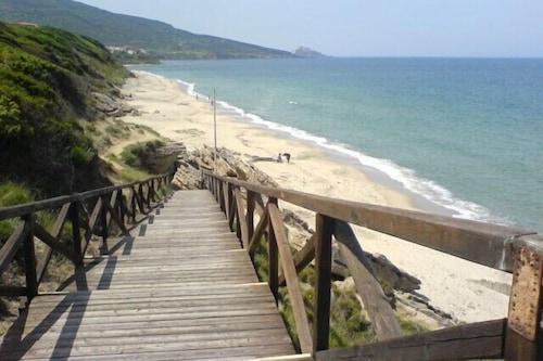 サルデーニャ北部のすばらしい海の景色を楽しめる素敵な新しい禁煙アパートメント/