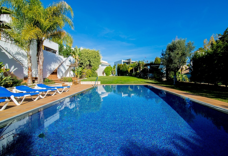 Modern Apartment With Comfortable Furnishings, 500m From the Sandy Beach, Albufeira, Baseins