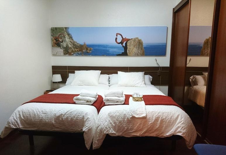 Pensión Amara, San Sebastian, Double Room, Private Bathroom (interior), Guest Room