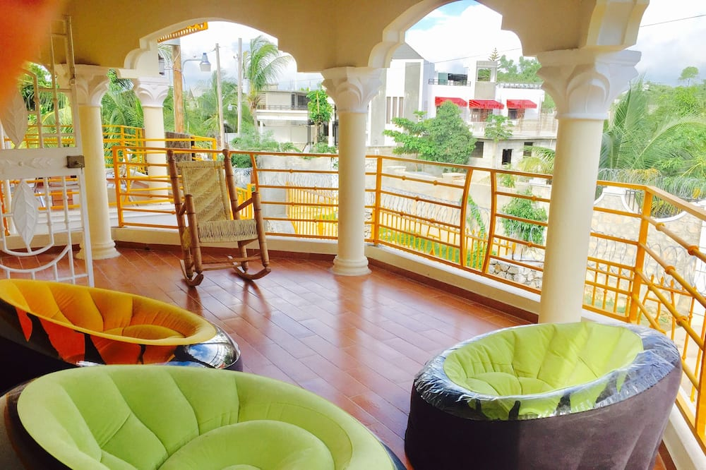 Deluxe Triple Room, 1 King Bed with Sofa bed - Balcony