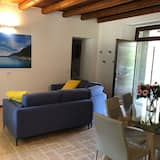 Căn hộ Premium, 2 phòng ngủ, Khu vực sân vườn - Phòng khách