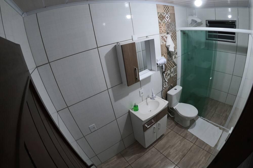 غرفة عادية - حمّام