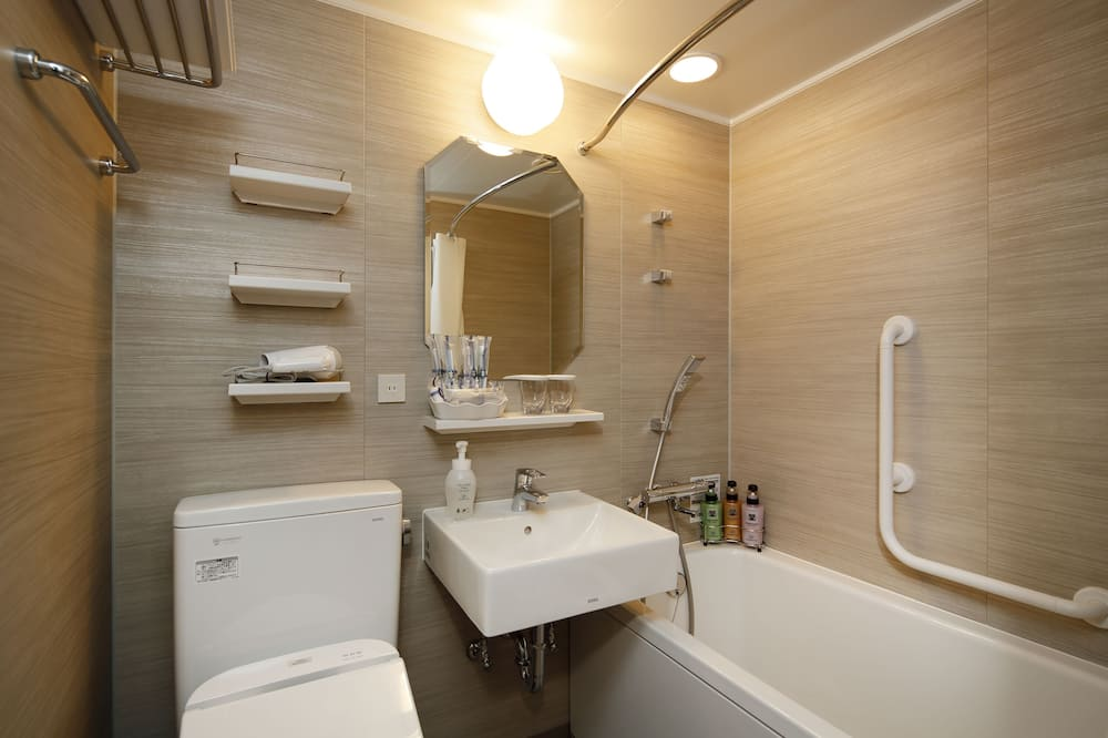 King Double Room - Bathroom