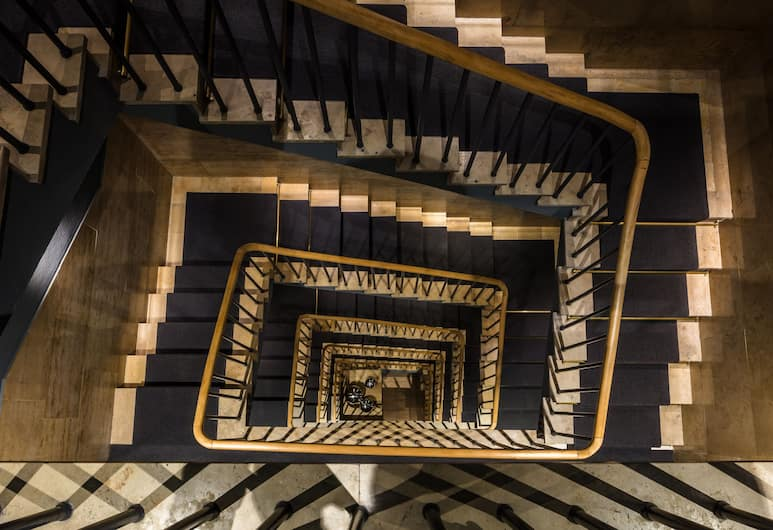 THE MIDTOWN HOTEL by The New Yorker, Cologne, Staircase