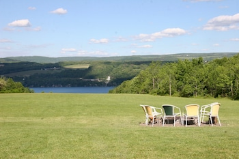 Picture of Lakeside Resort in Watkins Glen