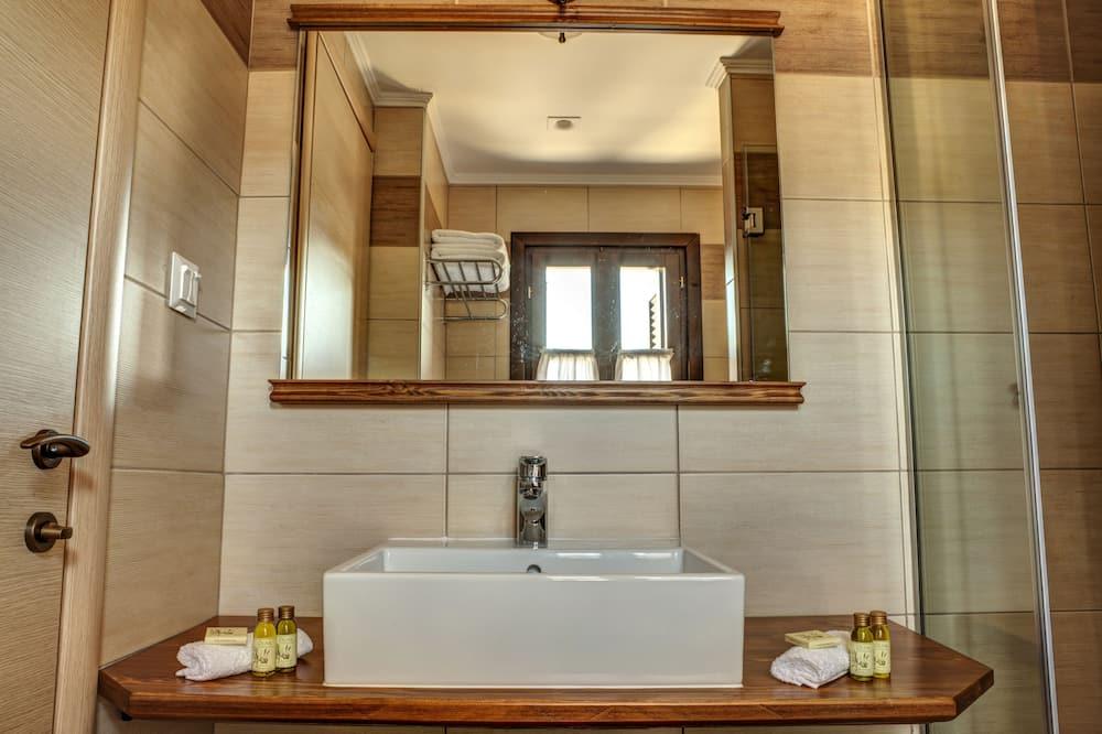 Double Room, Mountain View (Olivia) - Bathroom