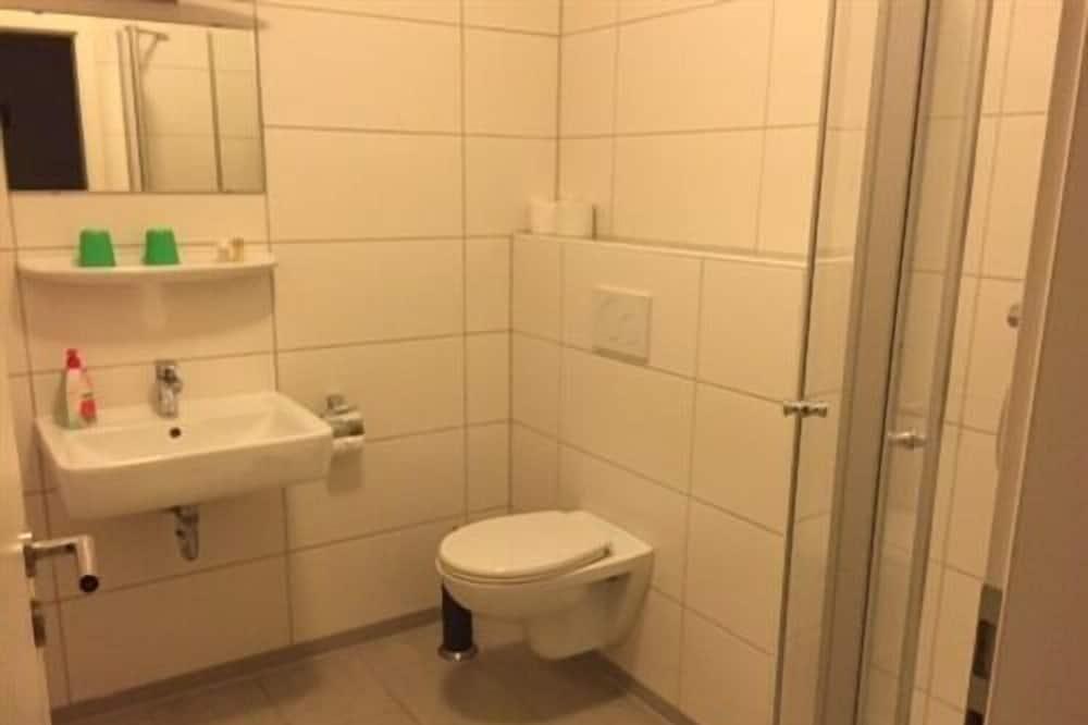 Phòng đôi tiện nghi đơn giản, Phòng tắm riêng - Phòng tắm