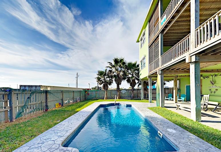 Gulf-View Duplex Steps to the Beach by RedAwning, Perlabuhan Aransas , Duplex, 2 Bedrooms, Kolam