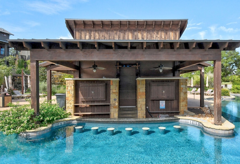 The Reserve at Lake Travis Cabin #12 by RedAwning, Spicewood, Chatka, Bazén