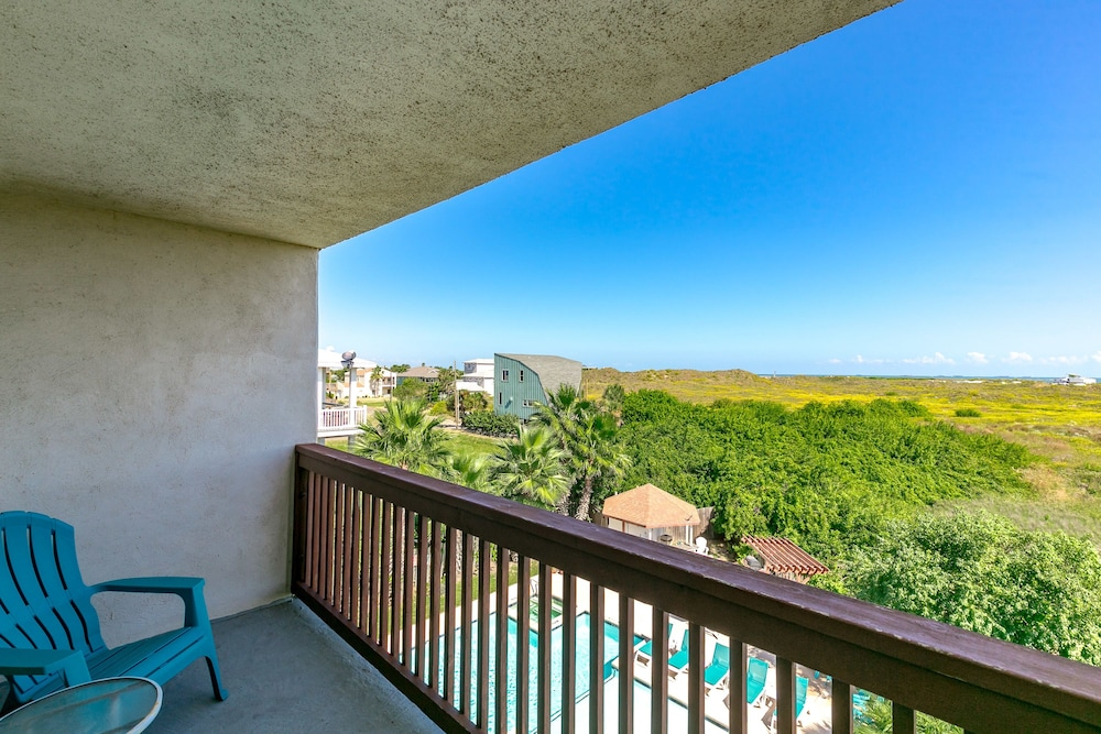 407 Beach Ave Condo 144 By Redawning Port Aransas