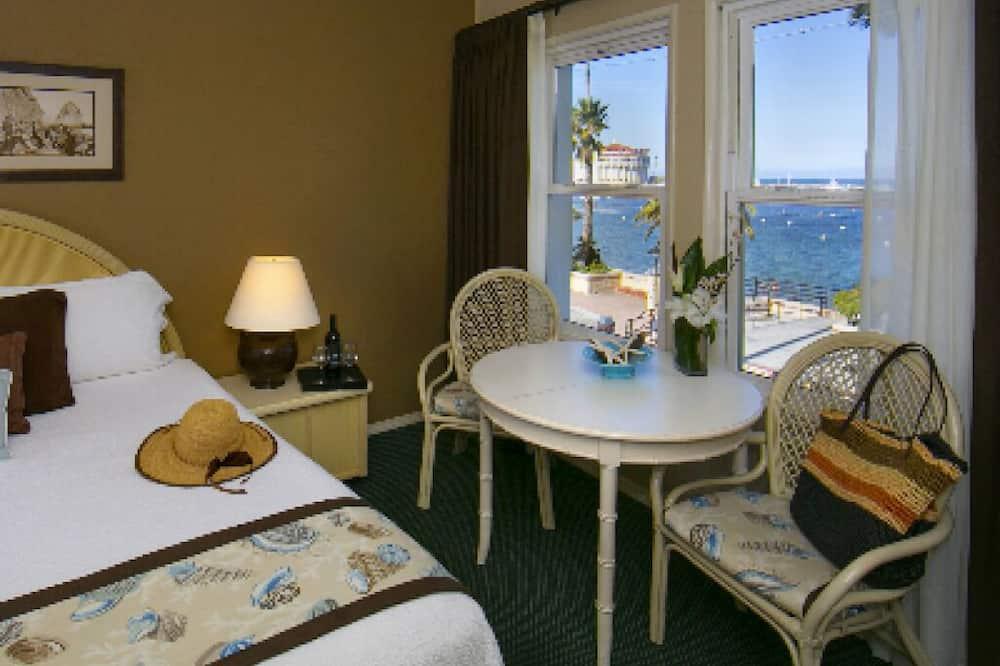 Deluxe Tek Büyük Yataklı Oda, Banyolu/Duşlu, Deniz Manzaralı (An Ocean View King) - Öne Çıkan Resim