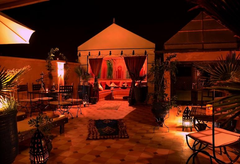 哈吉薩米庭院酒店, 馬拉喀什, 室外用餐