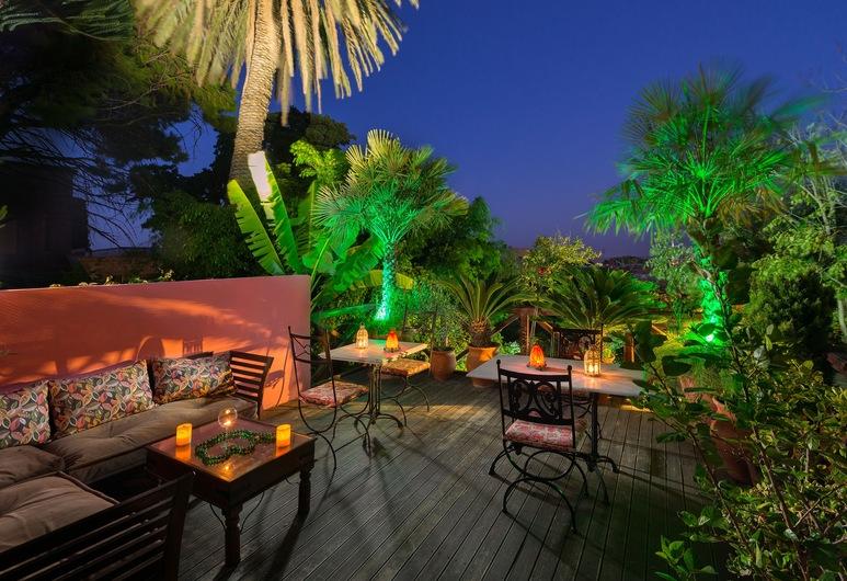 Nikos Takis Fashion Hotel, Rhodes, Vườn