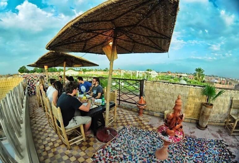 Dream Kasbah - Hostel, Marrakech, Ruokailutilat ulkona