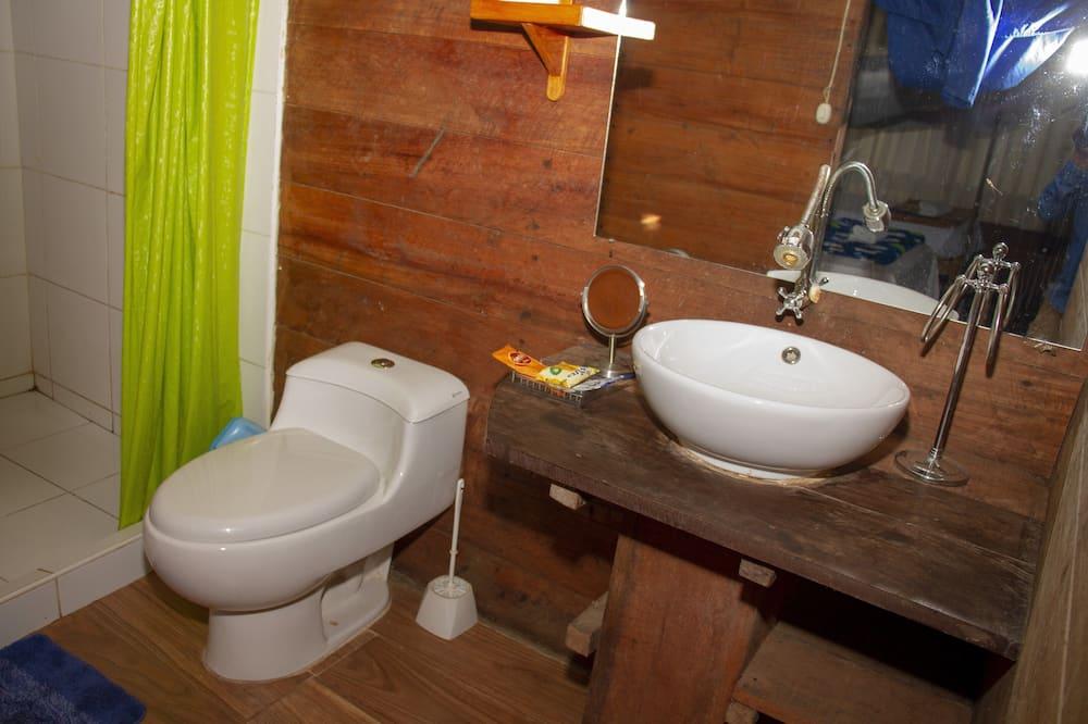 Suite Júnior, Frigorífico, Vista Rio - Casa de banho