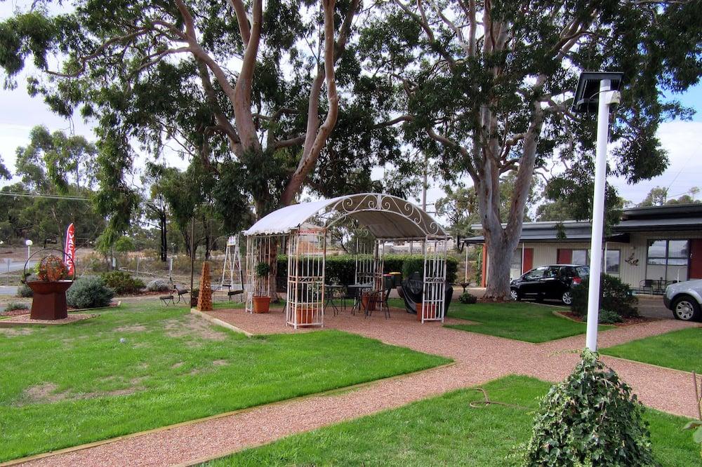 Familienzimmer - Blick auf den Garten