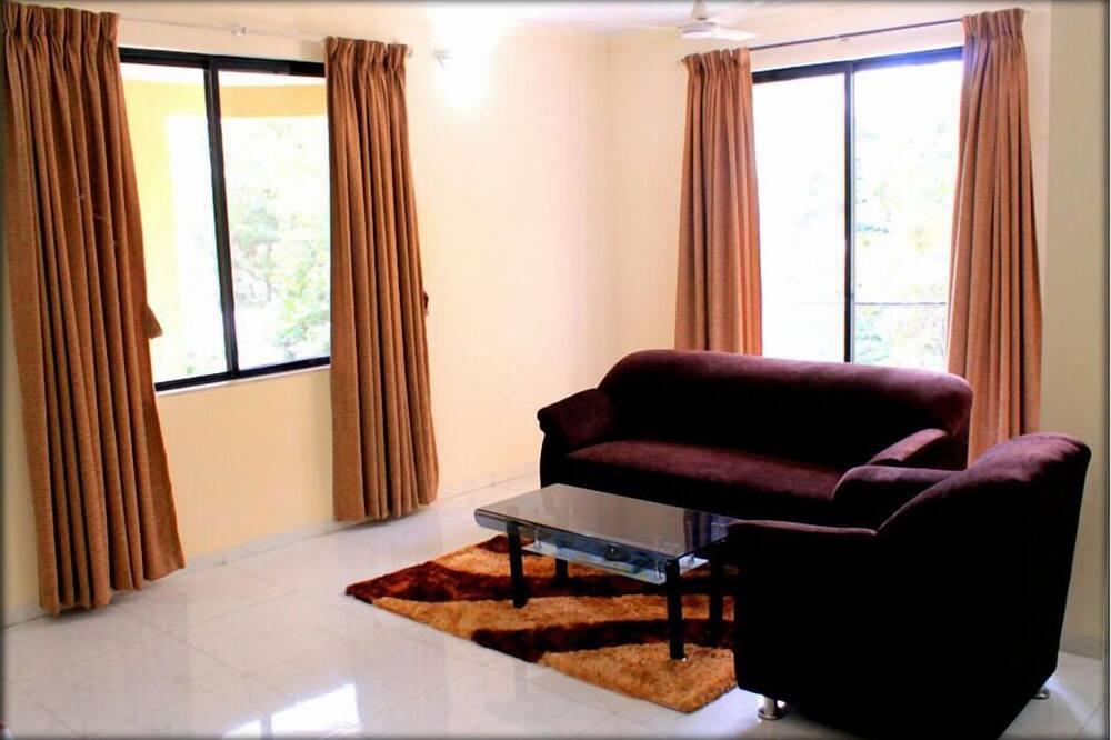 Standard Apartment, Smoking - Living Room