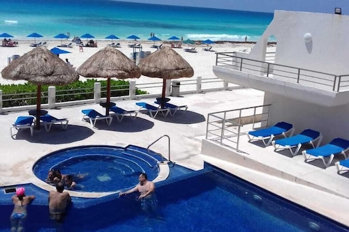 割引提供!!カリブ海の素晴らしい景色を望む無垢なメキシコのヴィラ