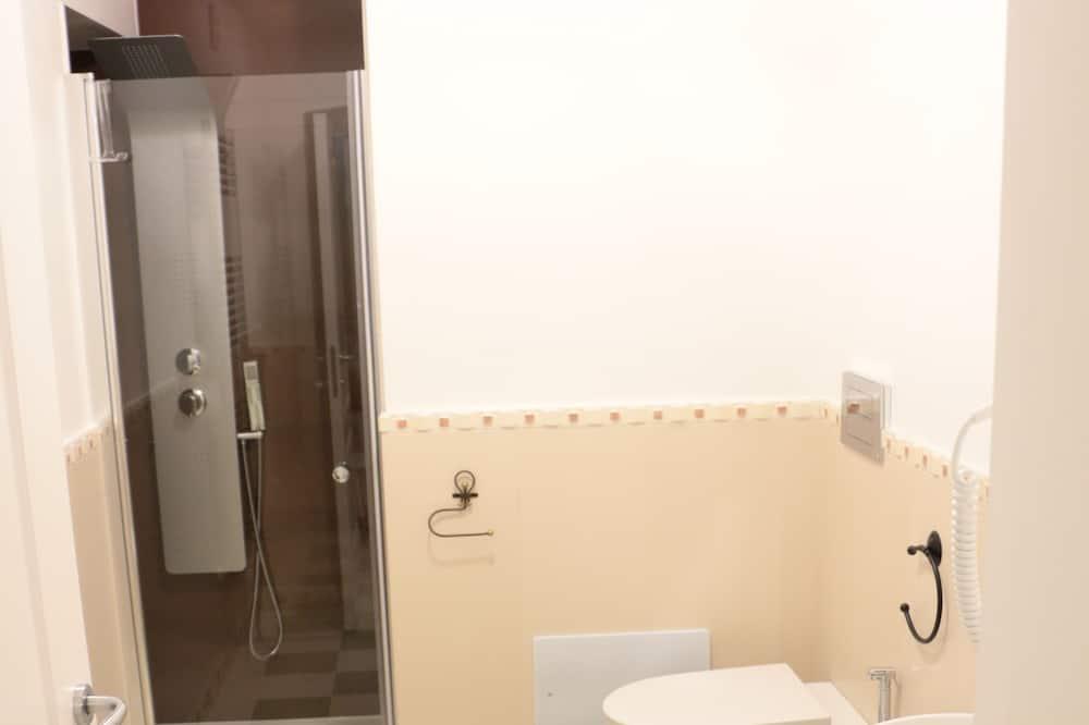 ห้องทราดิชันนัลสวีท, 1 ห้องนอน, ระเบียง (Maria Carolina d'Austria) - ห้องน้ำ