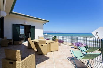 Picture of Dune Home, Beachfront Home With Three Bedrooms 9 PAX in Alcamo