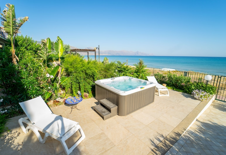 Dune Home, Beachfront Home With Three Bedrooms 9 PAX, Alcamo, Āra spa vanna