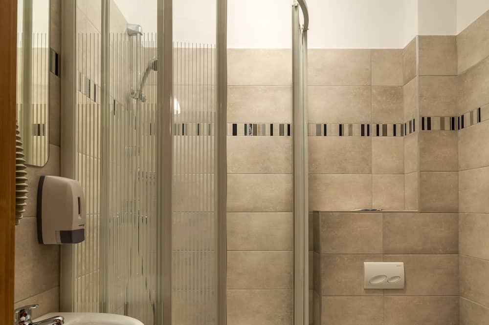 Chambre Standard avec lits jumeaux, salle de bains privée - Salle de bain