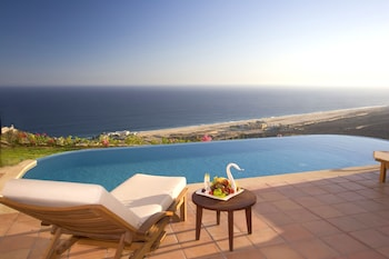 Enter your dates for our Cabo San Lucas last minute prices