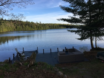 Bracebridge bölgesindeki QuickStay - Heavenly Cottage (Beautiful Lake Views) resmi