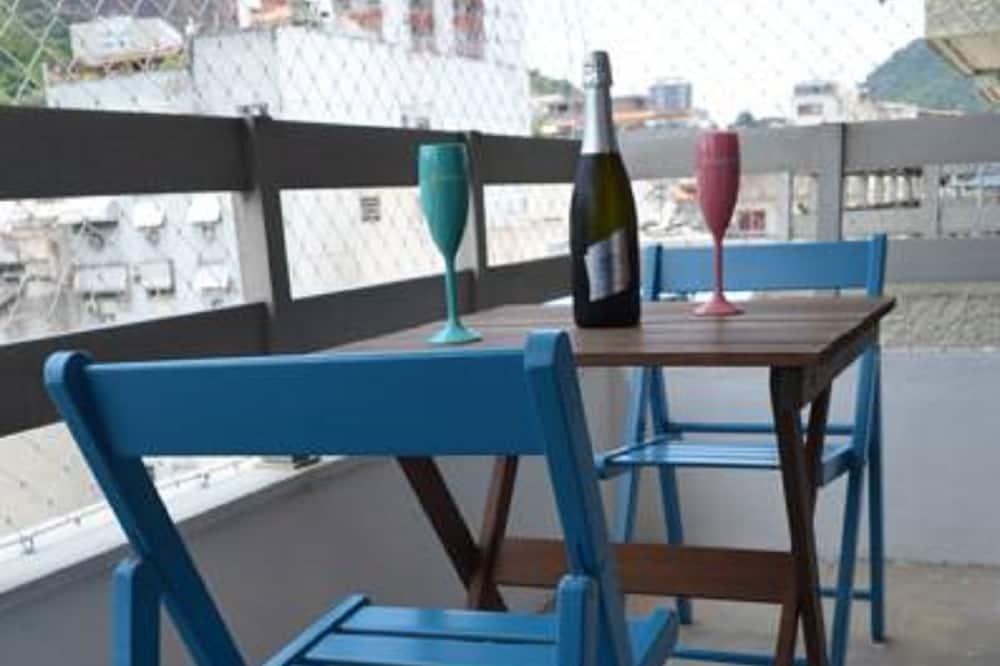 Deluxe appartement, 2 slaapkamers, roken, Uitzicht op het strand - Balkon