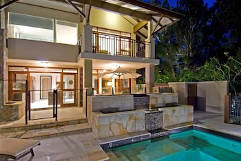 Choose This Luxury Hotel in Palm Cove