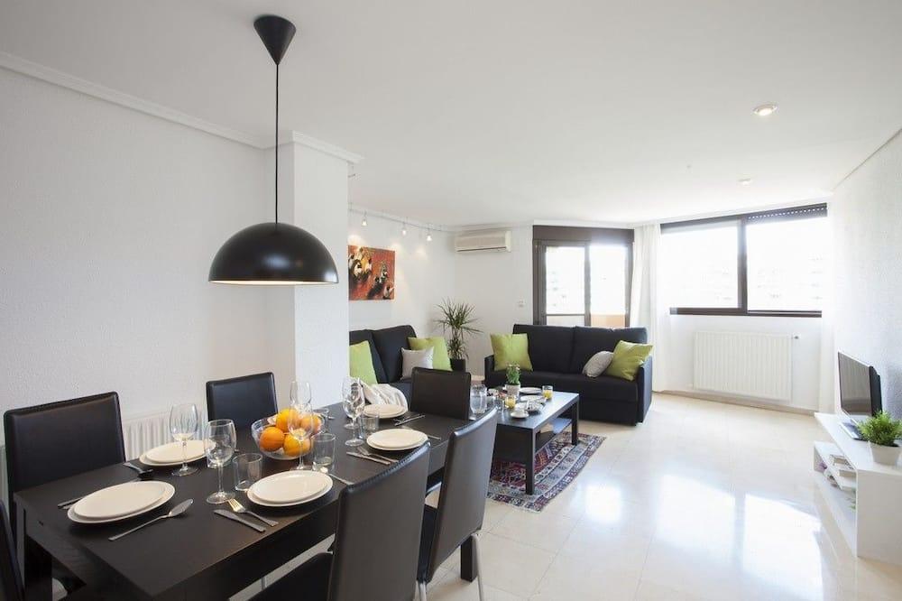 อพาร์ทเมนท์สำหรับครอบครัว, 2 ห้องนอน - พื้นที่นั่งเล่น