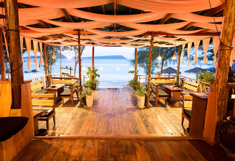 White Beach Bungalows, Koh Rong, Terrace/Patio