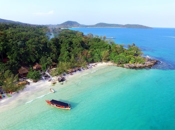 Picture of White Beach Bungalows in Koh Rong