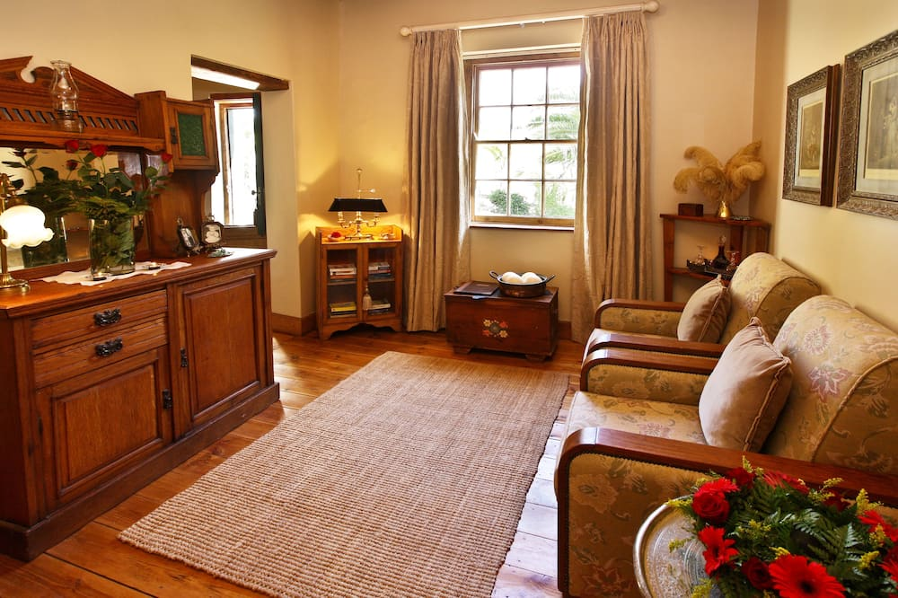 Cottage, 2 Bedrooms, Kitchenette, Valley View - Living Room
