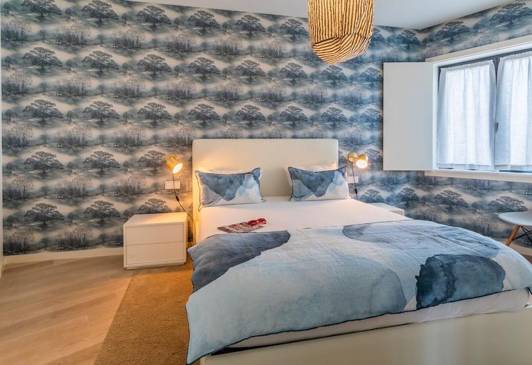 Santa Catarina Superior Apartments by linc, Lisbon, Deluxe Apartment, 2 Bedrooms (Largo Dr. António de Sousa Macedo, 1), Room